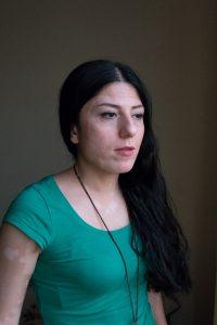 Sayeh ist eine klassische Sängerin aus Teheran/Iran.